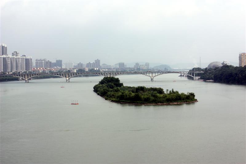 Luobo Island and Hudong Bridge