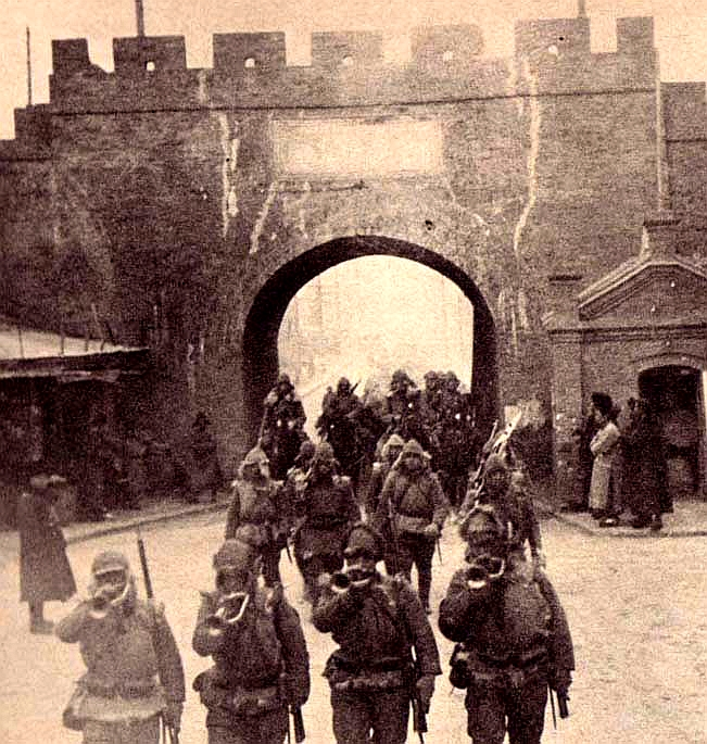 japanese_troops_entering_tsitsihar