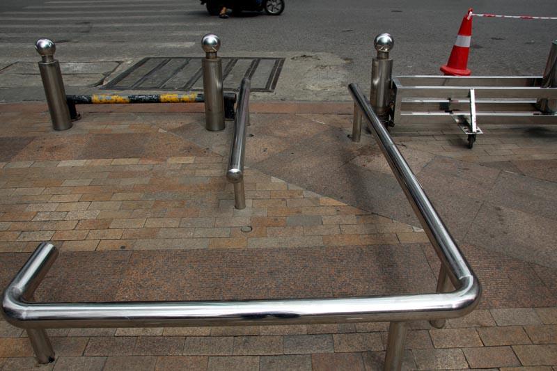 barrier1